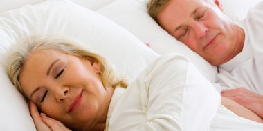 Cách chọn chăn ga gối bảo vệ sức khỏe cho người già